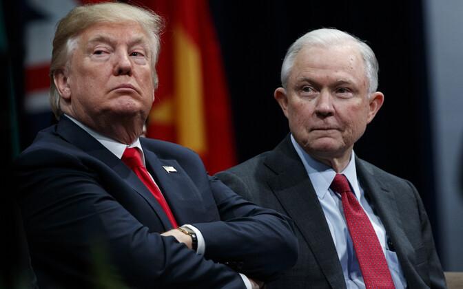 Donald Trump ja Jeff Sessions.