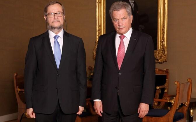 Eesti saadik Soomes Harri Tiido ja Soome president Sauli Niinistö