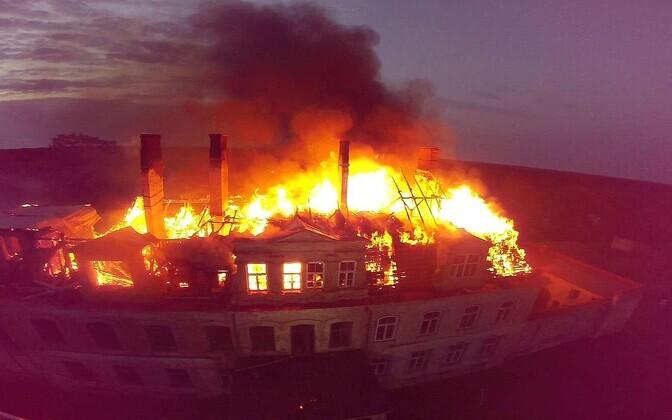Malla mõisahoone põleng