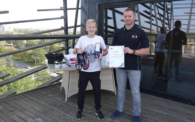 За смелый поступок G4S наградил юного спасителя знаком отличия