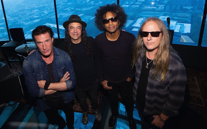 Sean Kinney (vasakul), Mike Inez, William DuVall ja Jerry Cantrell ehk Alice In Chains.