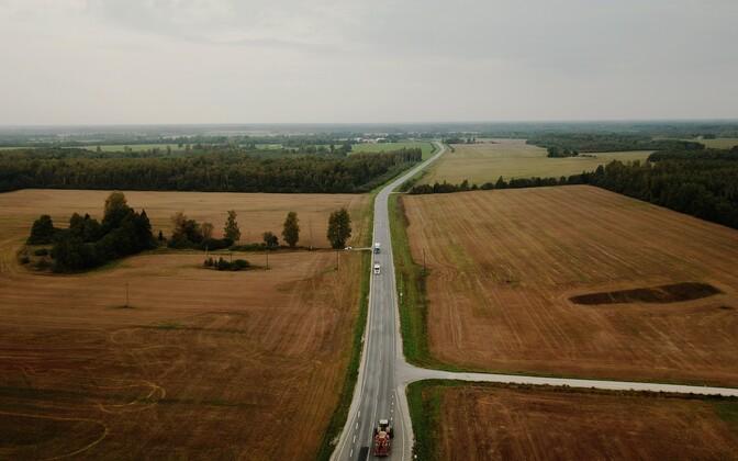 Tallinnast väljuv maantee.