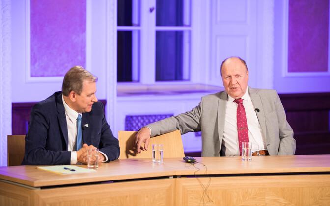 Председатель Свободной партии Андрес Херкель и председатель EKRE Март Хельме.