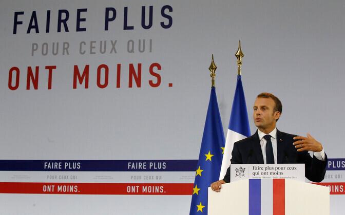 President Emmanuel Macron, taustal kiri