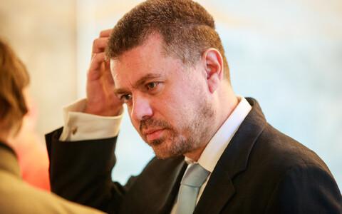 Minister of Justice Urmas Reinsalu (Centre).