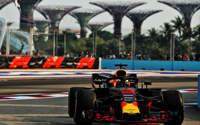 Daniel Ricciardo SIngapuri GP esimesel vabatreeningul