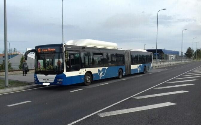 Проверка водителя автобуса.
