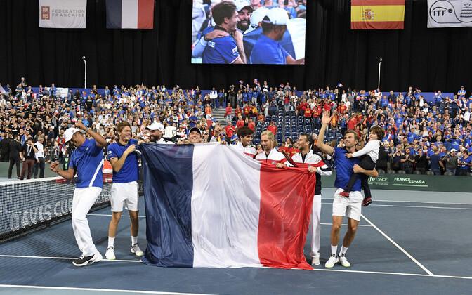 Tiitlikaitsja Prantsusmaa jõudis teist aastat järjest Davis Cupil finaali