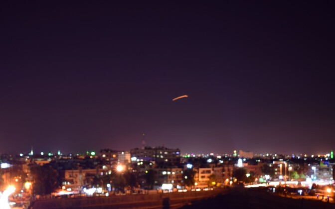 Süüria riikliku agentuuri avaldatud foto raketirünnakust.