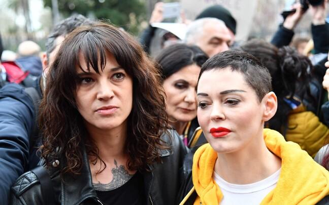 Näitlejad Asia Argento (vasakul) ja Rose McGowan.