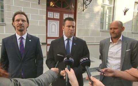 Minister of Culture Indrek Saar (SDE), Prime Minister Jüri Ratas (Centre) and Pro Patria Party chairman Helir-Valdor Seeder on Wednesday. 19 September 2018.