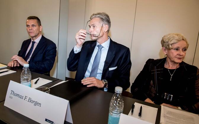 Vasakult Danske Banki nõukogu esimees Ole Andersen, panga tegevjuht Thomas Borgen ja nõukogu aseesimees Carol Sergeant pressikonverentsil