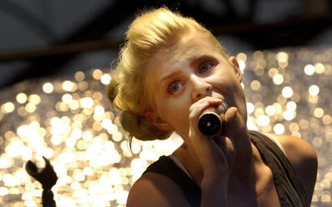 Rootsi muusik Robyn.