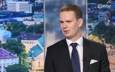 Oliver Nääs on ETV's Ringvaade broadcast, September 2018.