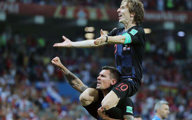 Dejan Lovren (all) ja Luka Modric (ülal)