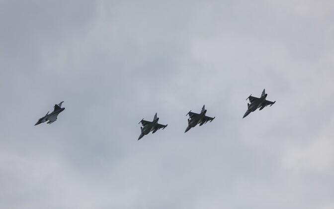 Истребители НАТО.
