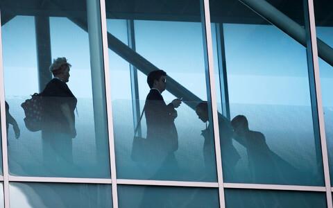 Inimesed klaaskoridoris leiboristide konverentsil Liverpoolis.