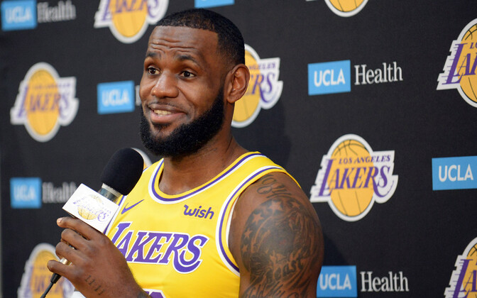 LeBron James Los Angeles Lakersi meediapäeval