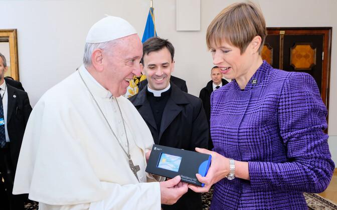 Paavstist sai e-resident
