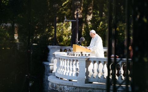 Pope Francis giving a speech at the Rose Garden in Kadriorg on Tuesday morning. 25 September 2018.