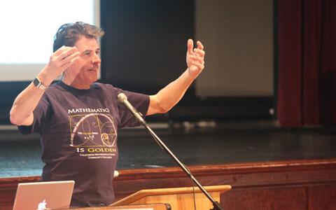 Keith Devlin leiab, et matemaatik pole tänapäeval enam kõikide
