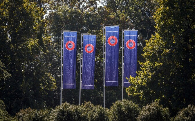UEFA lipud Nyonis