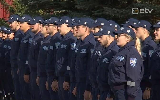 Эстонские полицейские.