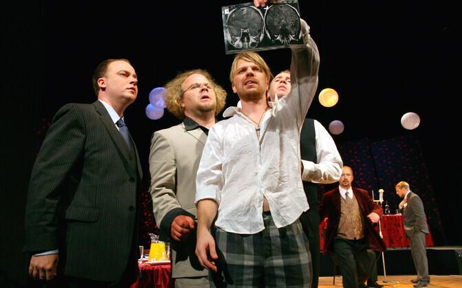 Fotol (vasakult) Tambet Seling, Ago Anderson, Lauri Kink, Sepo Seeman, (taga vasakult) Raivo Rüütel, Veljo Reinik.