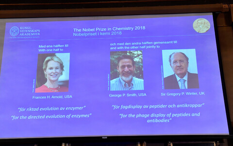 2018. aasta Nobeli preemia laureaadid Frances H. Arnold, George P. Smith ja Gregory P. Winter.