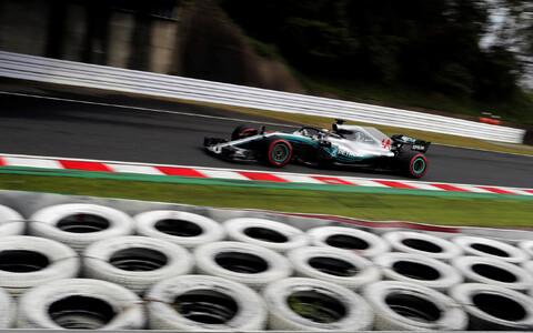Lewis Hamilton Jaapani GP kolmandal vabatreeningul