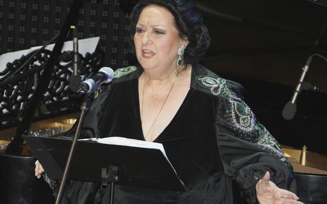 Монтсеррат Кабалье на концерте в 2008 году.