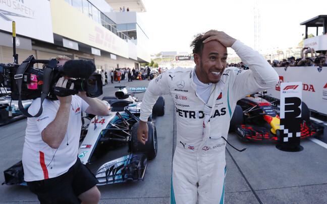 Lewis Hamilton võitis Jaapani GP-etapi