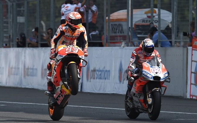 Marc Marquez (vasakul) ja Andrea Dovizioso