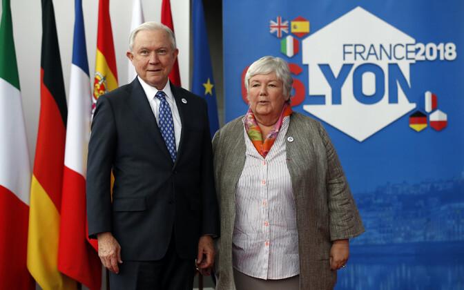 USA justiitsminister Jeff Sessions Lyonis koos Prantsuse siseministeeriumi aseministri Jacqueline Gourault'ga.