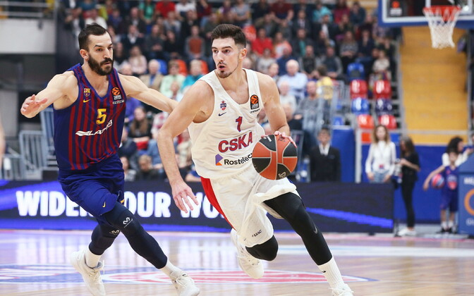 Nando De Colo (Moskva CSKA) ja Pau Ribas (Barcelona)