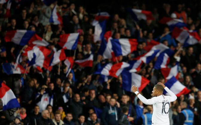 Kylian Mbappe ja Prantsusmaa jalgpallikoondise fännid