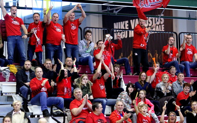 Rapla korvpallimeeskonna fännid