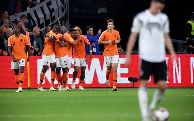 Hollandi jalgpallikoondis lõi Saksamaale koduväljakul kolm vastuseta jäänud väravat
