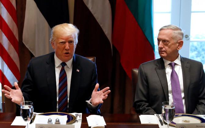 Donald Trump ja James Mattis.