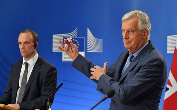 Dominic Raab (vasakul) ja Michel Barnier.