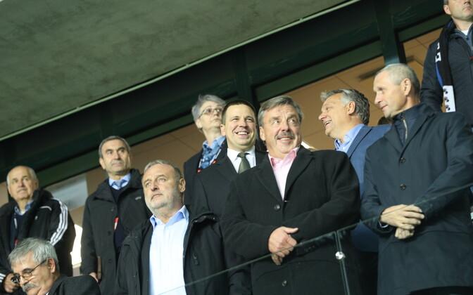 Ungari peaminister Viktor Orban Tallinnas kolleeg Jüri Ratase kõrval.