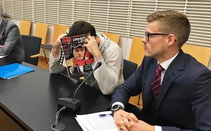 Airiston Helmi kohtuistung Vantaa kohtusaalis.