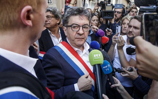 Jean-Luc Mélenchon 16. oktoobril erakonna peakontori ees.