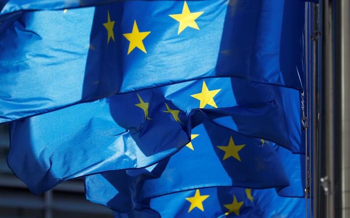 Флаги Евросоюза.