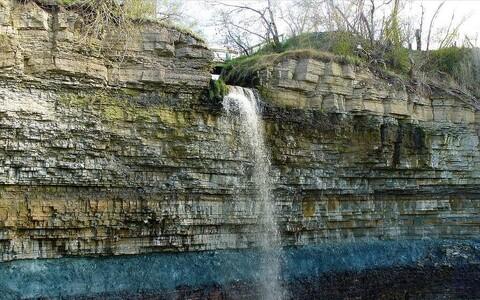 Водопад Валасте.