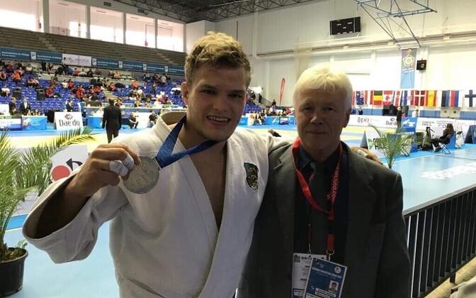 Маттиас Куузик вместе с тренером Андресом Пыхьяла.