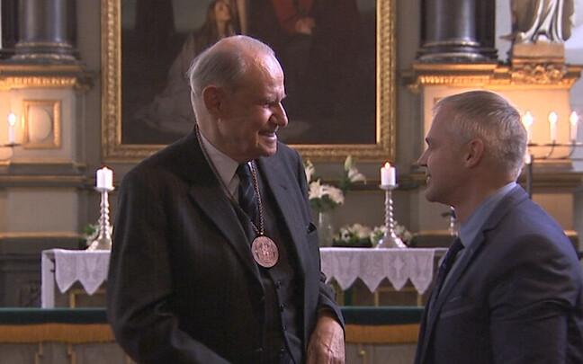 Первый посол Германии в Эстонии получил медаль Девы Марии.