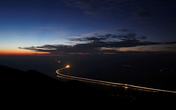 В Чжухае в китайской провинции Гуандун открыли самый длинный в мире морской мост