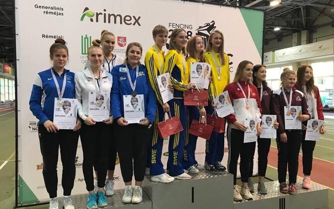 Juunioride võistkondlikul turniiril saavutas naiskond (Karoliine Loit, Carmen-Lii Targamaa, Andra Talen, Sandra Skoblov) teise koha.