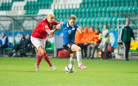 Signy Aarna Eesti naiste jalgpallikoondist esindamas